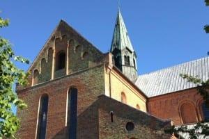 Kirkehandlinger i august