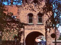 Krummede tæer ved Klosterporten