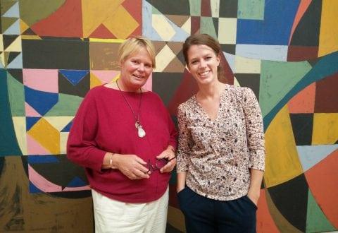 Billedkunstlærer Tina Elf og kunstformidler Mette Truberg Jensen. Pressefoto.